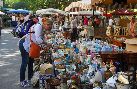 Barjac, the Antiques fair