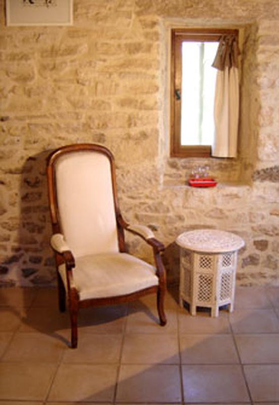 Chambre d 39 h tes ard che les roses terrasse acc s piscine - Chambre d hotes le poteau rose ...